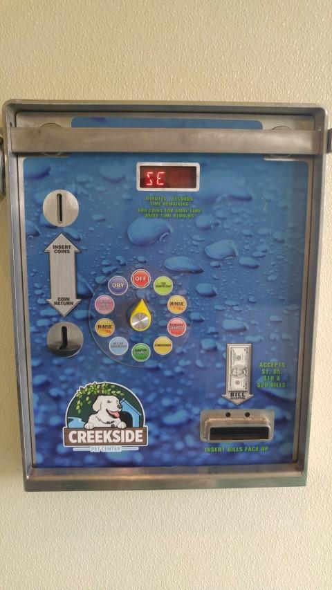 24hr wash coin&bill dispenser